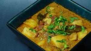 Potatoes in Creamy Yogurt Sauce (Dahi Wale Aloo)