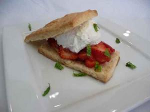Strawberry Shortcake (Eggless Dessert)