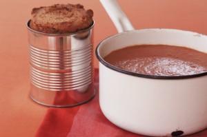Chilli bean soup with corn bread