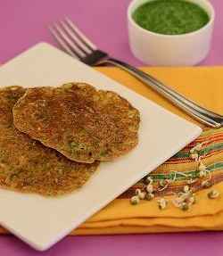 Bajra, Rice and Sprouts Moong Puda