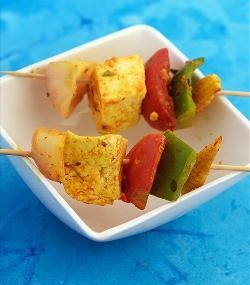 Babycorn, Capsicum, Paneer and Tomato On Skewer