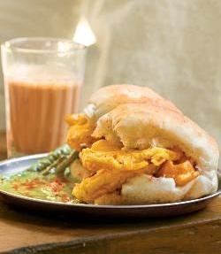 Bhajji Pav ( Mumbai Roadside Recipes )