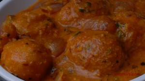 BABY POTATO CURRY KAANDHA DUM ALOO