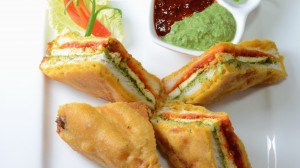 Sandwich Paneer Pakoda